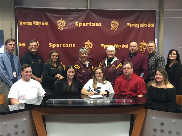 Evans Signs Mansfield University